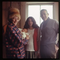 Nina, baby (Eben), Nina's parents