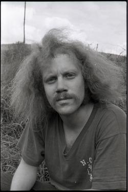 Steve Heimoff seated on the grass (Warwick, Mass.)