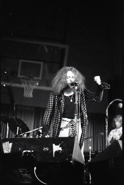 Jethro Tull in concert at the Springfield Civic Center: Ian Anderson on vocals (Springfield, Mass.), linking to the digital object
