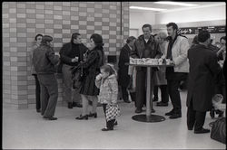 People gathered at a snack bar while waiting at JFK airport (New York, N.Y.), linking to the digital object
