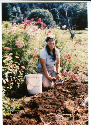 Grace Gershuny harvesting potatoes