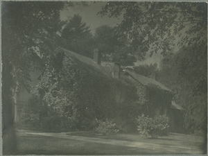 Unidentified ivy-covered house, linking to the digital object