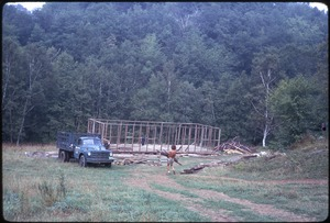Johnson Pasture Commune: Building construction