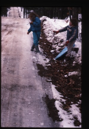 Wendell Farm: Two kids by road in snow