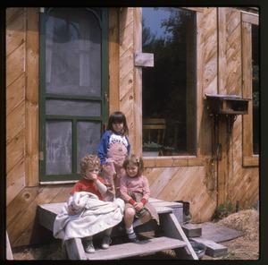 Wendell Farm: Three children on front steps, Wendell