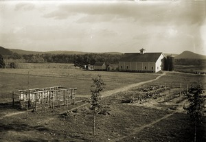 Hillside School barn and grounds (Greenwich, Mass.)