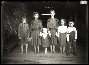 Unidentified children (Greenwich, Mass.)