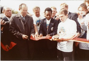 First page of Mayor of Moscow, Pele, and Swedish Ambassador