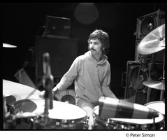 First page of Grateful Dead in performance: Mickey Hart (drums)