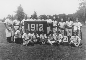 First page of Class of 1912 at 10th reunion holding banner
