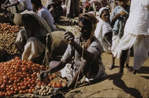 Thumbnail of Weighing potatoes in the market in Ranchi