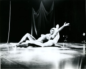 Thumbnail of Oedipus's lament: Richard Jones on back with female dancer