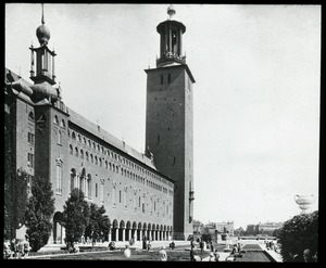 Thumbnail of Unidentified building