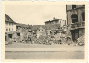 Thumbnail of Weimar Bombed out buildings and rubble in the streets