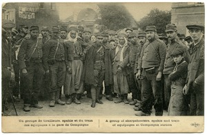 Thumbnail of A  group of sharpshooters, spahis and train of equipages at Compiègne Station