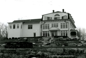 Thumbnail of Photograph of the Barletta residence building