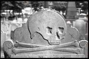 Thumbnail of Gravestone of Elizabeth Hurd (1779), Granary Burying Ground: close-up of skull motif