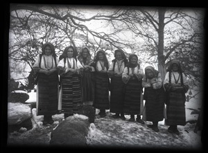 Thumbnail of Traditional medicine Village medicine women