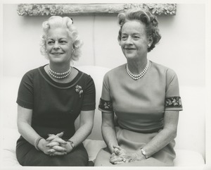 Thumbnail of Margaret Milbank Bogert and an unidentified woman