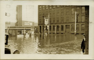 Thumbnail of Aftermath of the great Hartford Flood Flood waters by a Socony station (possibly 484 Main Street?)