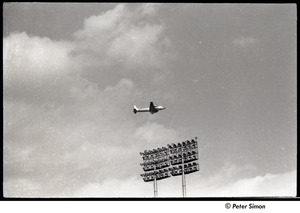 Thumbnail of Mets at Shea Stadium: airplane above stadium lights