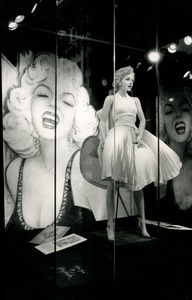 Thumbnail of Marilyn Monroe store window, New York City