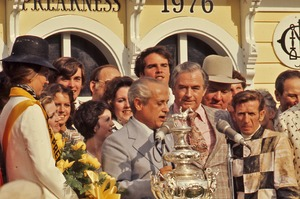 Thumbnail of Jockey Willie Shoemaker in the winner's circle