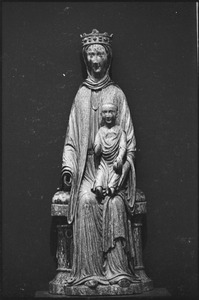Thumbnail of Museum of Fine Arts: medieval sculpture entitled Virgin and Child