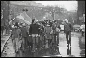 Thumbnail of MIT I-Lab demonstration: protesters in front of Building 10