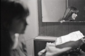 Thumbnail of Linda Ronstadt at Paul's Mall: Ronstadt backstage, reflected in mirror