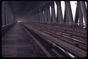 Thumbnail of Railroad level of Yangtze River Bridge