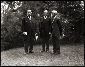 Thumbnail of William Howard Taft, Bernard Baruch, and James Bryce, 1st Viscount Bryce (l. to          r.) at the Institute for Politics, Williams College