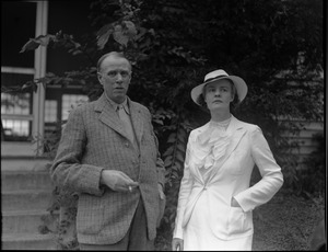 Thumbnail of Sinclair Lewis, Dorothy Thompson Informal portrait of the Lewis, with cigarette, and Thompson