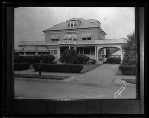 Thumbnail of Charles Ponzi's house at Lexington Copy image