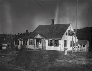 Thumbnail of Cape Cod-style house of Horace Snow