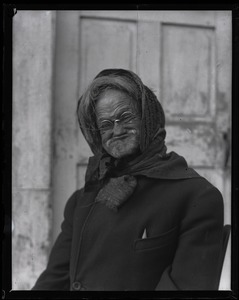 Thumbnail of Reuben Austin Snow, the cross-dressing hermit of Cape Cod, close-up portrait          mid-grimace