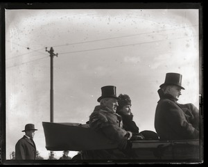 Thumbnail of Woodrow Wilson's return from the Paris Peace Conference: Wilson, his wife, and          other dignitaries riding in their car