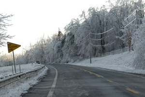 Thumbnail of Icy vIew down the highway