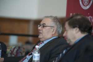 Thumbnail of Congressman Barney Frank and author Stuart Weisberg at UMass Amherst, during their book event