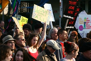 Thumbnail of Anti-war marchers and signs: rally and march against the Iraq War