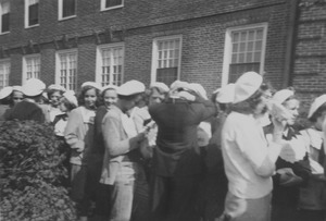 Thumbnail of Class of 1953 freshmen during playday