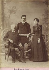 Thumbnail of Domingos H. Braune with his family