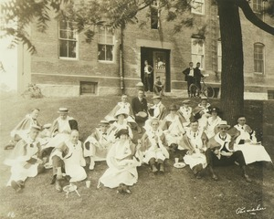 Thumbnail of Class of 1910 at their 11th reunion