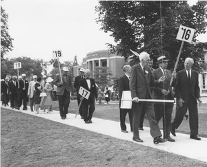 Thumbnail of Class of 1916 marching during reunion