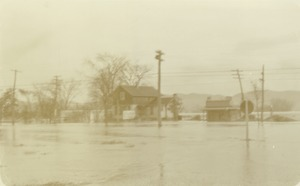 Thumbnail of Huff's Filling Station during Connecticut River flood crest