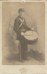 Thumbnail of Unidentified man in military uniform with snare drum