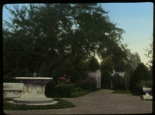 D.C.: French garden, ca. 1925