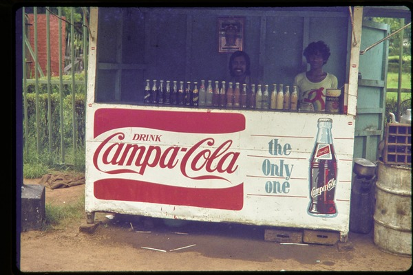 Kiosk selling Campa-Cola, 'the only one', ca. July 1978