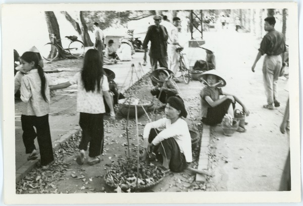 Vendors in Old Quarter market, May 1968