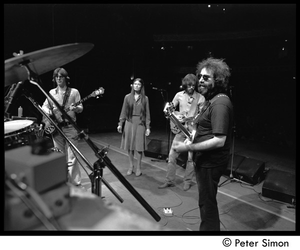 Jerry Garcia, Bob Weir, Donna Godchaux, and Phil Lesh of the Grateful Dead             rehearsing, ca. 1977